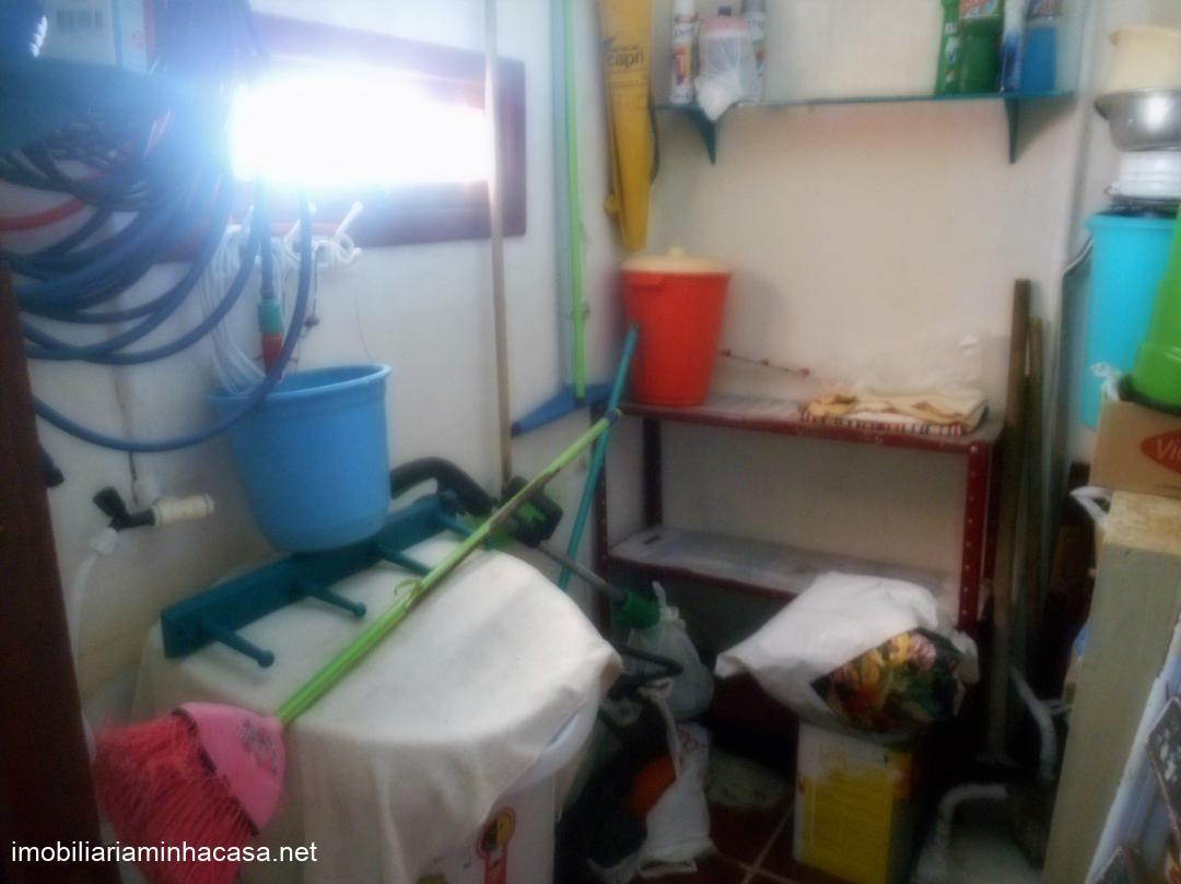 Casa a vendaVenda em Curumim no bairro Centro