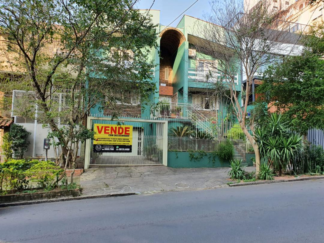 CasaVenda em Porto Alegre no bairro Petrópolis