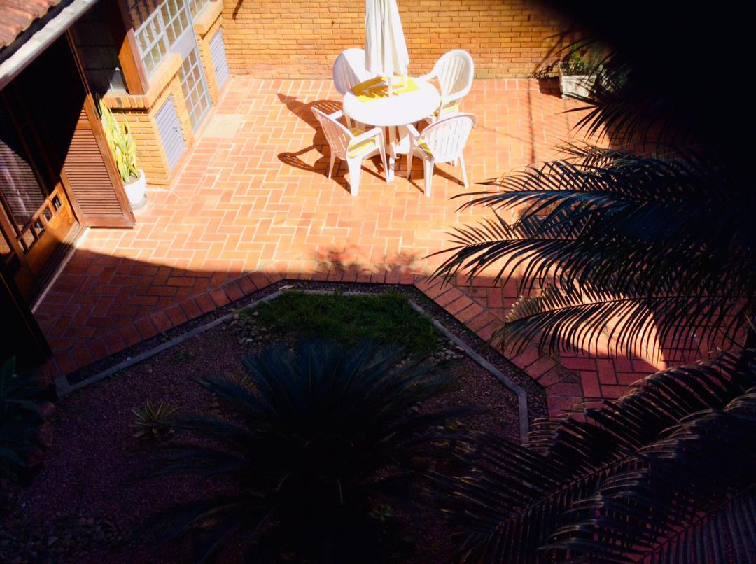 Casa / sobradoVenda em Porto Alegre no bairro Jardim Botânico