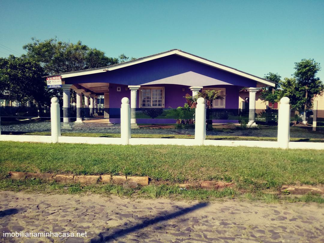 Casa a vendaVenda em Curumim no bairro Fundos Praça da Santinha