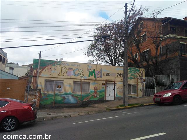 Casa comercial #1066v em Caxias do Sul