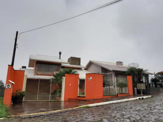 Casa/Sobrado em Harmonia no Bairro Centro
